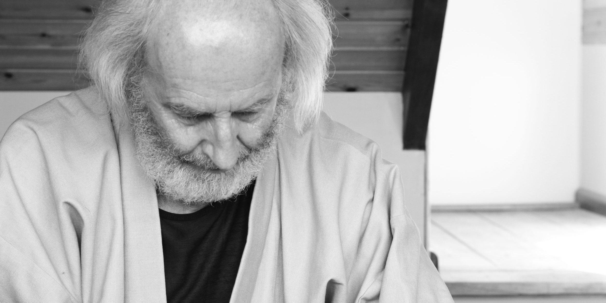 Piet Leunis practising Shiatsu